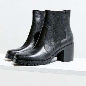 UO Alex Square-Toe Chelsea Boot